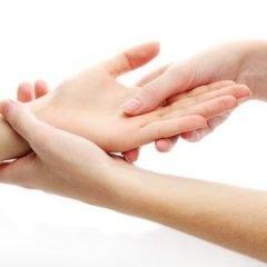 """הטיפול בכאבי אצבעות ע""""י מומחי רשת מזור לכאב"""
